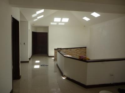 En venta amplia casa para estrenar en excelente sector de Hacienda Real Zona 17