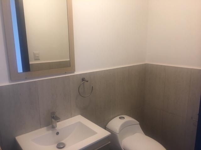 Apartamento en Alquiler Zona 15, 3 Habitaciones, 129 m2, US$1,100