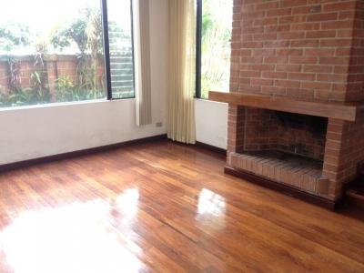 Casa en Alquiler Zona 14, La Cañada, 3 Habitaciones, 290 m2, US$2,100