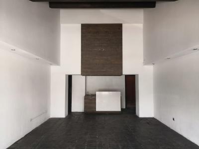 Local de 80 m2 de construcción en Renta, Zona 10