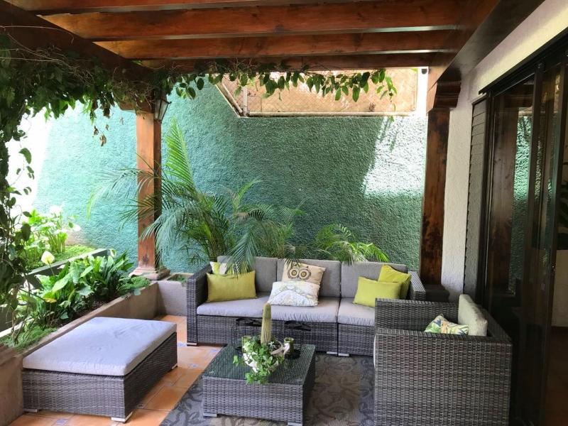 Casa con amplio jardin en san lazaro