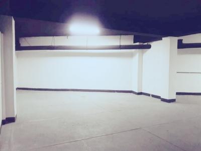 Bodega de 105 m2 de construcción en Renta, Zona 10