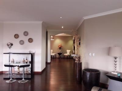 MAS 1: tengo apartamento en Edificio Tadeus en Venta en Zona 14 NIVEL BAJO