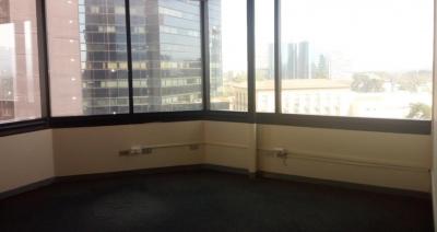 Oficina de 185 m2 de construcción en Renta, Zona 10