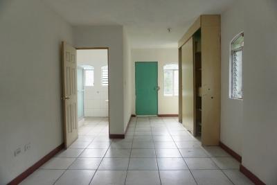 Casa en renta, Zona 10