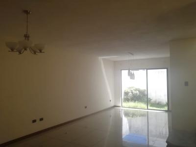 Vendo casa km16.5 carretera Salvador, entrada Olmeca