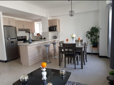 Apartamento de 72 m2 de construcción en Venta, Zona 16