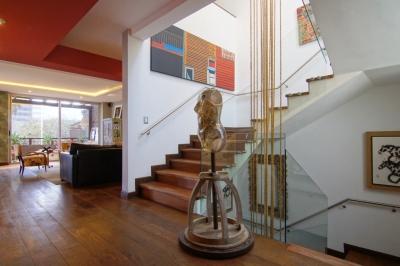 Lujosa casa en venta, Zona 10