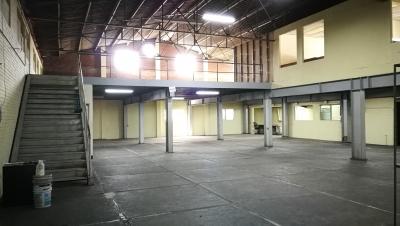 Ofibodega en zona 10 de 580 m2 de almacenamiento + 320 m2 Oficinas