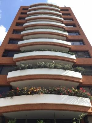 Vendo Apartamento Torre Cañada Zona 14 / Half Floor Apartment for Sale