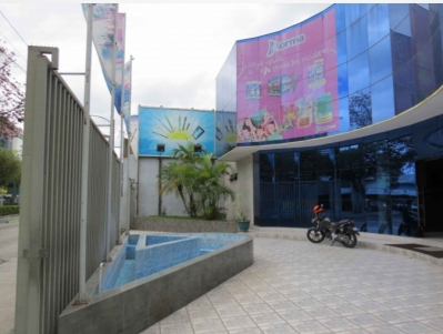 Edificio de 2360 m2 de construcción en Renta, Zona 09