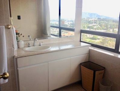 Penthouse Amueblado en Alquiler y Venta Zona 14, 3 Habitaciones, 345 m2, US$450,000 / US$3,000