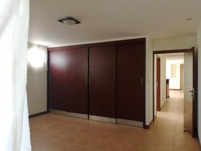 Lindo y cómodo apartamento en renta en VH1, Zona 15