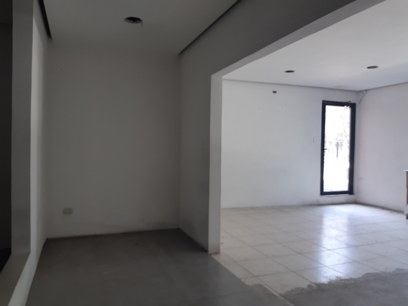 Local de 63 m2 de construcción en Renta, Zona 14
