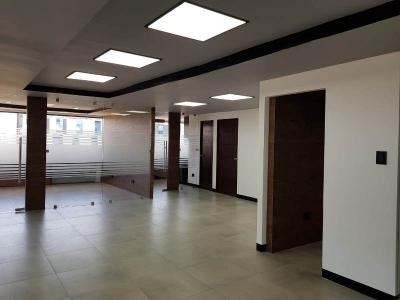 Oficina en Geminis remodelada, zona 10