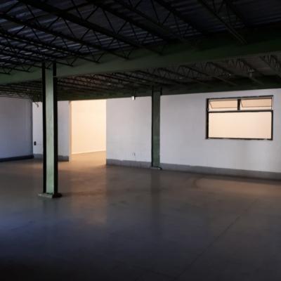 Ofibodega de 372 m2 de construcción en Renta, Zona 18