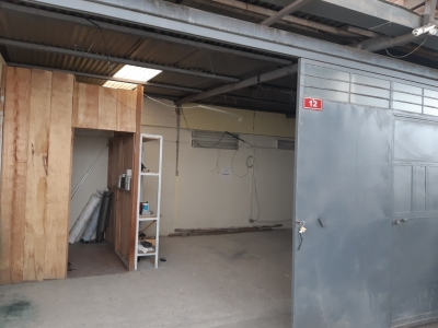 Ofibodega de 250 m2 de construcción en Renta, Zona 13