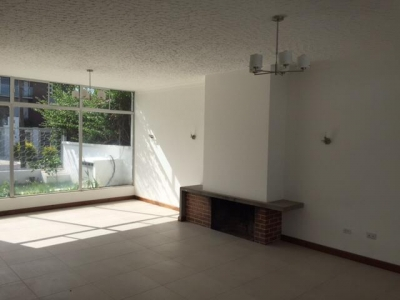 Casa de 1 nivel zona 14 para vivienda dentro de garita