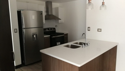 Alquilo apartamento en San Isidro 20/21 zona 16