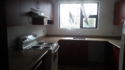 Apartamento tres habitaciones Zona 14