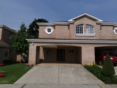 Alquilo casa en Condominio Santa Anita Carretera Salvador
