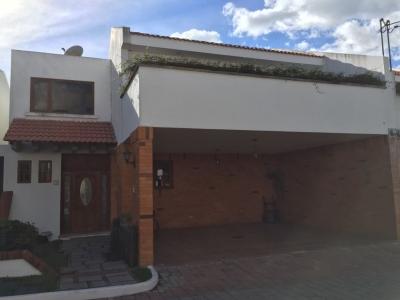 Alquilo casa dentro de condominio en zona 16