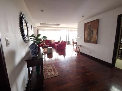 Alquilo apartamento en edificio Santa Maria zona 10
