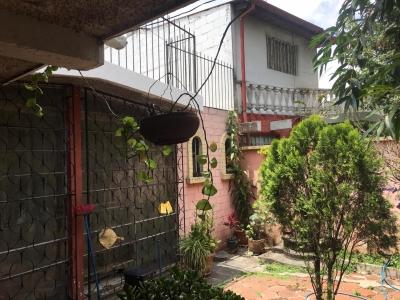 Vendo Casa en Jardines de Tikal 3 Z.7