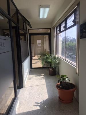 Preciosa oficina en alquiler en Avenida Reforma zona 9