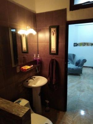 En Venta casa remodelada en Diagonal 14 Zona 5