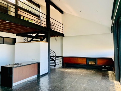 Preciosa casa en Renta - 2 hab + Cuarto de servicio + Deck panorámica
