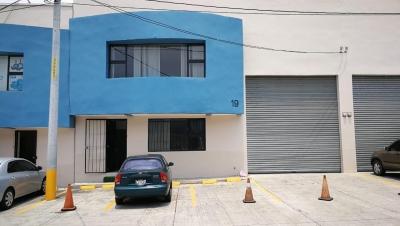 Alquilo ofibodega dentro de complejo en El Naranjo