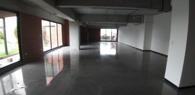 Oficina en alquiler en zona 4 de 166 mts en $3,180
