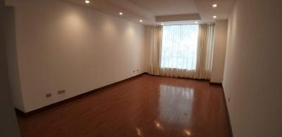 Apartamento en alquiler en zona 14 de 100mts en $ 775 de 1 dormitorios /Código 361