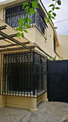 Amplia Casa en renta para Oficinias en zona 14 (La Villa)