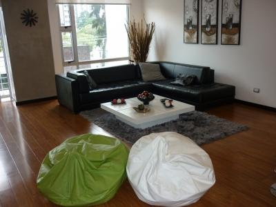 Apartamento Amoblado en Alquiler Zona 14, 2 Habitaciones, 100 m2, US$1300