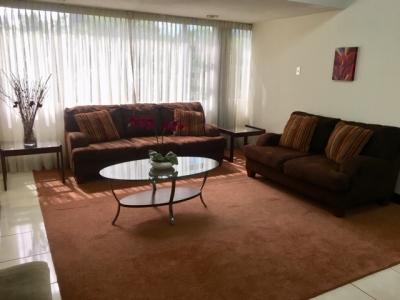 Apartamento Amoblado en Alquiler Zona 14, 2 Habitaciones, 150 m2, US$1,100