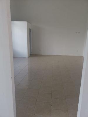 En alquiler local de 60 m2 sobre 19 Calle Zona 10