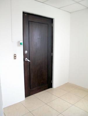 Oficina  en renta zona 10 / Edificio Torino