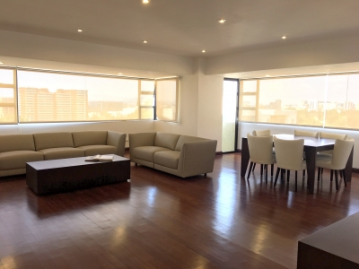 Apartamento amueblado y equipado  para inversionista  en  venta /  Edificio La Mirage Zona 14