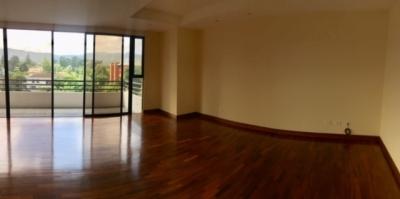 Apartamento en Venta Zona 14, 3 Habitaciones, 290 m2, US$440,000