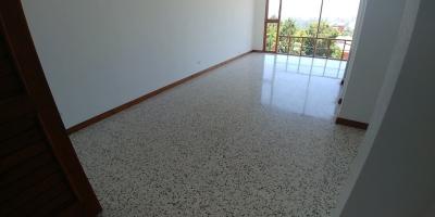 Casa en alquiler en Carretera a El Salvador de 602 mts en $.1,456 de 4 dormitorios /código 552