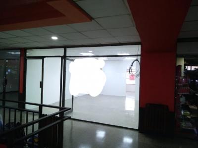 Alquilo local comercial en Plaza Vivar zona 1