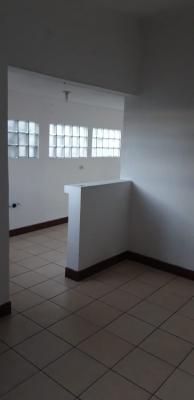 Rento, alquilo casa en zona 11 Las Charcas con 4 dormitorios