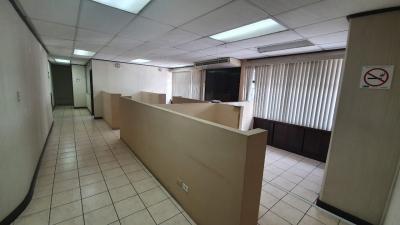 Oficina en alquiler en zona 10 de 140 mts  en $1,412/Código 727
