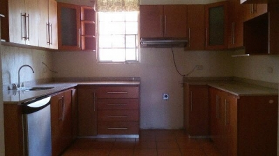 Alquilo Casa Zona 16 | VH4