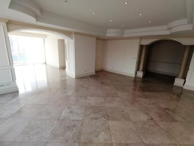 Apartamento en venta en zona 14 de 270 mts en $475000 de 2 dormitorio/código 736