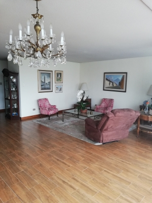 Vendo Apartamento Zona 13, a media cuadra Avenida de las Americas