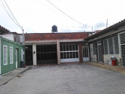 Venta de Casa en la Urbanización La Fontana La Morita I Aragua