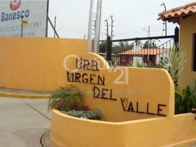 Hermosa casa en venta en la Urbanización Virgen Del Valle